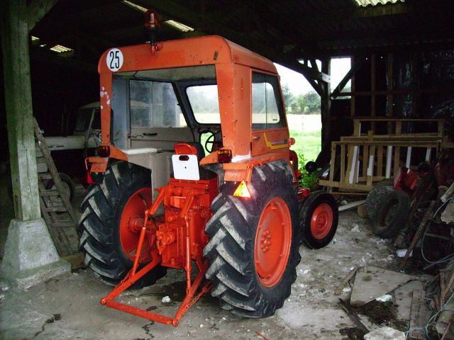 document renault d22   tracteur de 1957