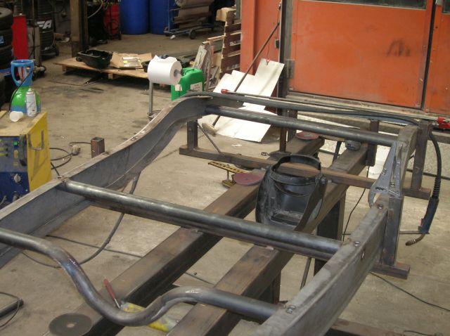assemblage et fabrication d un châssis de Ford 32 roadster  14.408