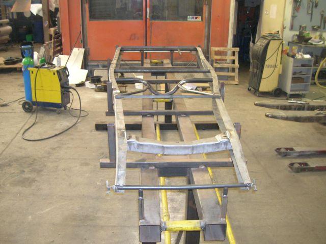 assemblage et fabrication d un châssis de Ford 32 roadster  15.2