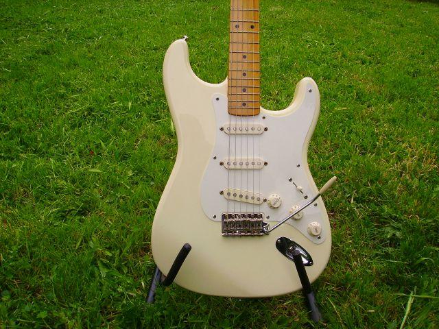 Fender Strat classic 50s 09.36