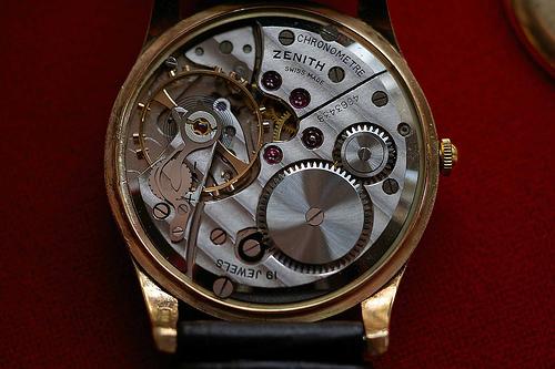 Une montre Volna 24.194