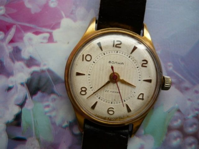 Une montre Volna 24.196