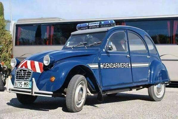 Nouvelle voiture de la Gendarmerie ... 03.11